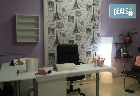 Красив маникюр! Изграждане с гел, маникюр с BlueSky, 4 декорации или камъчета, пилинг и масаж на ръцете в New faces-beauty studio! - Снимка 7
