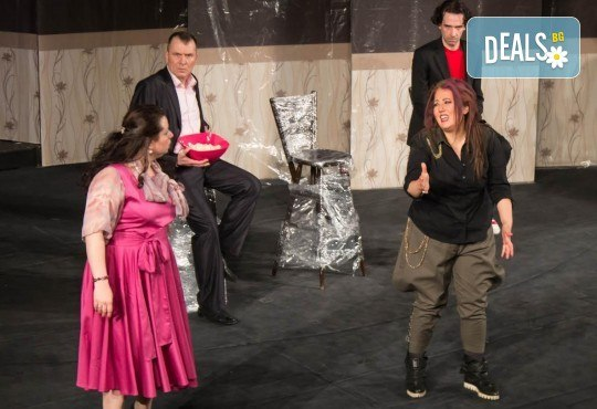 Щура комедия с Милица Гладнишка! Гледайте Брачни безумия, на 14.04. от 19ч. в Театър Сълза и Смях, билет за един - Снимка 8