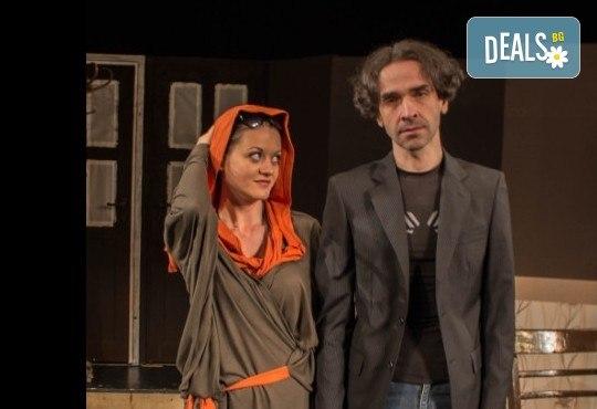Щура комедия с Милица Гладнишка! Гледайте Брачни безумия, на 14.04. от 19ч. в Театър Сълза и Смях, билет за един - Снимка 10