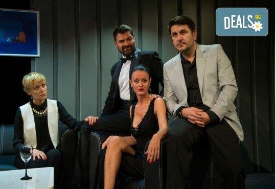 """Асен Блатечки и Койна Русева в най-новата комедия Театрална къща Viva Arte - """"Лъжата"""", на 23.04. от 19 ч., в Театър Сълза и Смях, 1 билет - Снимка 3"""