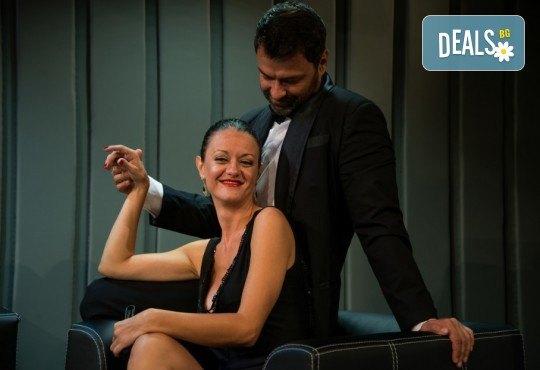 """Асен Блатечки и Койна Русева в най-новата комедия Театрална къща Viva Arte - """"Лъжата"""", на 23.04. от 19 ч., в Театър Сълза и Смях, 1 билет - Снимка 4"""