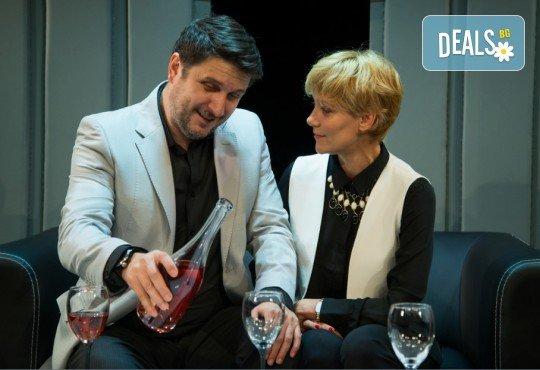 """Асен Блатечки и Койна Русева в най-новата комедия Театрална къща Viva Arte - """"Лъжата"""", на 23.04. от 19 ч., в Театър Сълза и Смях, 1 билет - Снимка 5"""