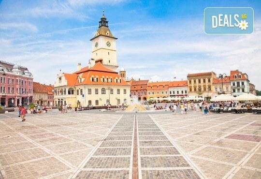 Уикенд в Румъния през пролетта или лятото! 2 нощувки със закуски в Синая, транспорт, екскурзовод, разходка в Букурещ и възможност за посещение на замъка в Бран! - Снимка 11