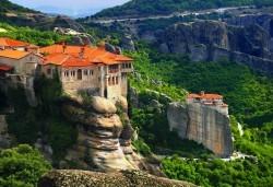 Last minute! Великден в Гърция - Солун, Олимпийската ривиера, Метеора! 2 нощувки със закуски в хотел Dafni plus 2*, транспорт и водач - Снимка