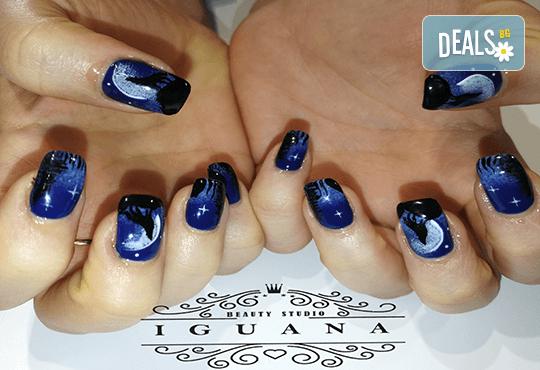 Ноктопластика чрез изграждане с гел или удължители, лакиране с гел лак и 2 декорации, избор от над 260 актуални цвята в Iguana Nail Studio - Снимка 11