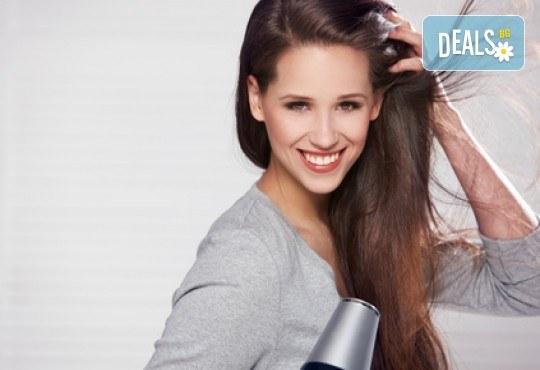 Масажно измиване с дълбоко подхранващ косата шампоан, полиране с полировчик - премахване на цъфтежите без отнемане от дължината и прав сешоар в студио за красота Jessica! - Снимка 2