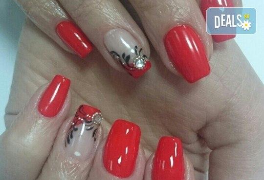 Гел върху естествен нокът за укрепване и здравина, класически или френски маникюр с шведски лакове Depend, 2 декорации и бонус: масаж на ръце от Beauty center D&M! - Снимка 5