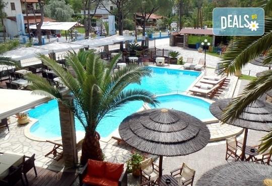 Майски празници във Вурвуру, Халкидики! 3 нощувки със закуски в хотел 3* и транспорт от Вени Травел - Снимка 4