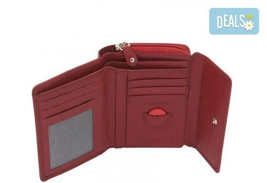 Дамско портмоне на Friedrich от естествена кожа в червен цвят и RFID защита за безконтактни кредитни карти! - Снимка 3