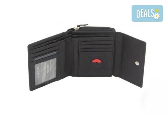 Дамско портмоне на марката Friedrich от естествена кожа в черен цвят и RFID защита за безконтактни кредитни карти! - Снимка 2