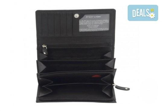 Красив и стилен подарък! Дамско портмоне в черен цвят от естествена кожа и RFID защита за безконтактни кредитни карти! - Снимка 2