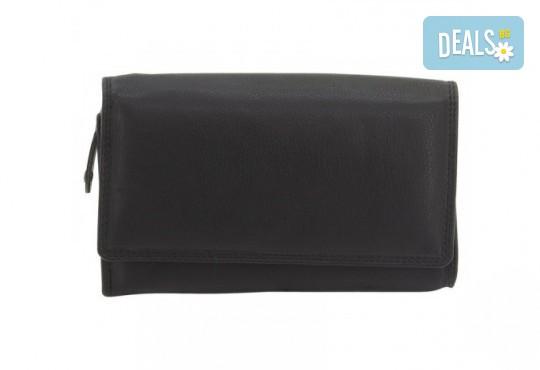 Красив и стилен подарък! Дамско портмоне в черен цвят от естествена кожа и RFID защита за безконтактни кредитни карти! - Снимка 3