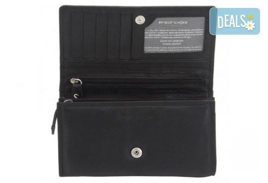 Красив и стилен подарък! Дамско портмоне в черен цвят от естествена кожа и RFID защита за безконтактни кредитни карти! - Снимка 1