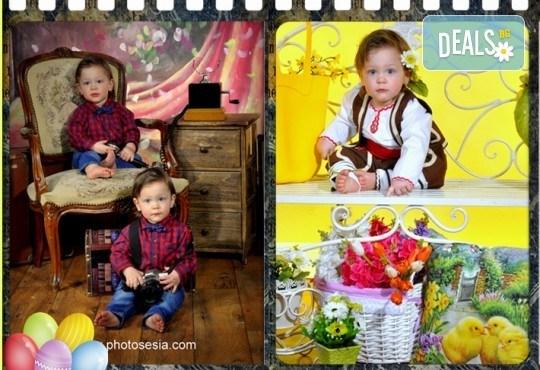 Пролетна семейна или детска фотосесия със 160-180 кадъра и фотокнига с твърди корици по желание от Photosesia.com! - Снимка 6