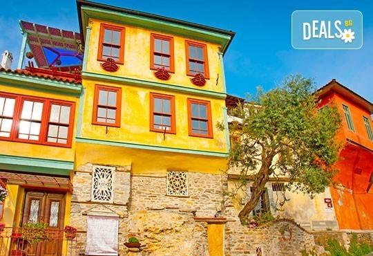 Разходка и шопинг за 1 ден в Кавала, Гърция, през април: транспорт, екскурзовод и програма