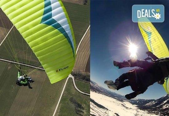 Височинен тандемен полет с парапланер от до 2000 метра - свободно летене от Витоша, Сопот, Беклемето или Конявската планина със заснемане с HD аction камера от Dedalus Paragliding Club! - Снимка 4
