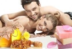 """СПА ритуал за двама """"Мед и рози""""! Два масажа на цяло тяло с масажно масло EcoSpa в център Мотив! - Снимка"""
