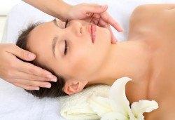 За гладка и млада кожа! Поглезете се с лифтинг масаж на лице, шия и деколте в салон за красота Bossa Nova! - Снимка