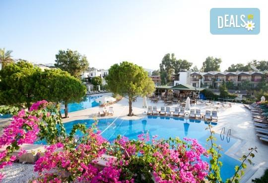 Май или юни в Ayaz Aqua Hotel 4*, Бодрум: 7 нощувки на база All Incl, самолетен билет