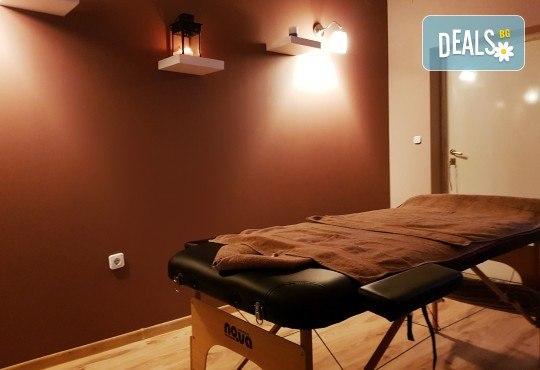 Спокойствие за тялото и душата! Релаксиращ антистрес масаж или релаксиращ масаж на 4 ръце в Hair Gallery Amur - Снимка 5