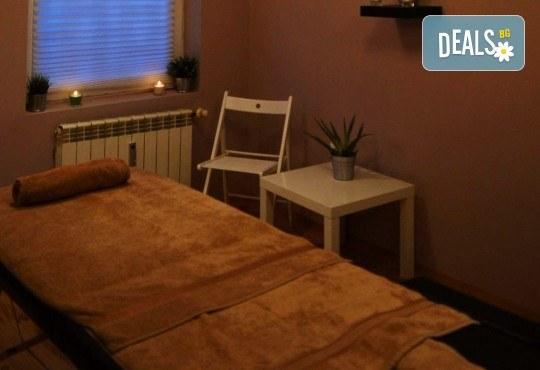 Спокойствие за тялото и душата! Релаксиращ антистрес масаж или релаксиращ масаж на 4 ръце в Hair Gallery Amur - Снимка 6