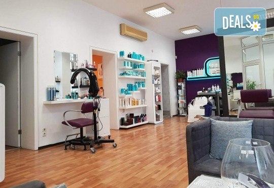 Отървете се от болките и схващанията с 40-минутен масаж на гръб с мекотъканни техники в Hair Gallery Amur - Снимка 4