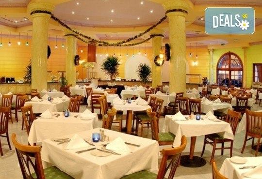 Last minute почивка в Египет - страната на фараоните! 7 нощувки в хотел Hilton Hurghada Long Beach Resort 5*, Хургада, самолетен билет, летищни такси и трансфери - Снимка 16