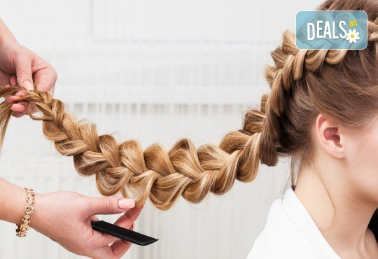 Освежете прическата си с арганова терапия, оформяне със сешоар и плитка от Beauty center D&M! - Снимка 2