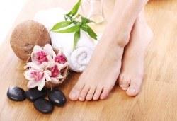 Супер оферта! Педикюр с гел лак Jessica + пилинг и масаж на ходилата в MNJ Studio - Люлин! - Снимка