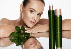 Върнете еластичността и младостта на кожата си с подмладяваща терапия за лице с фитостволови клетки от MNJ Studio - Люлин! - Снимка