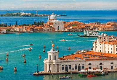 Лятна екскурзия до прелестната Венеция със самолет! 3 нощувки със закуски, самолетен билет и летищни такси - Снимка