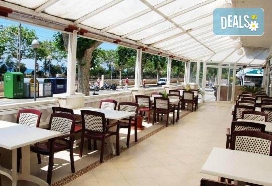 Last minute! През май в Калея, Испания! 5 нощувки, закуски и вечери в хотел 3*, самолетен билет, летищни такси, трансфери и бонус: йога практики на плажа! - Снимка 7