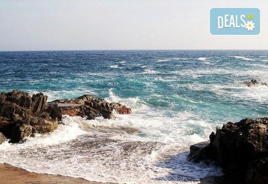 Last minute! През май в Калея, Испания! 5 нощувки, закуски и вечери в хотел 3*, самолетен билет, летищни такси, трансфери и бонус: йога практики на плажа! - Снимка 4