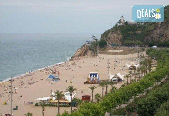 Last minute! През май в Калея, Испания! 5 нощувки, закуски и вечери в хотел 3*, самолетен билет, летищни такси, трансфери и бонус: йога практики на плажа! - Снимка 11