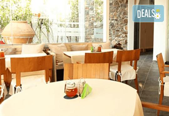 Last minute! Мини почивка за Гергьовден на о. Тасос, Гърция! 2 нощувки със закуски в Lido Hotel 3*, транспорт, екскурзовод и разходка в Лименас! - Снимка 9