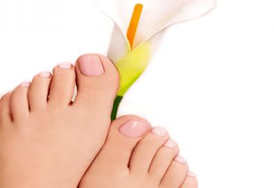 Покажете перфектните си крака! Педикюр с гел лак на Bluesky в Sense of beauty studio! - Снимка