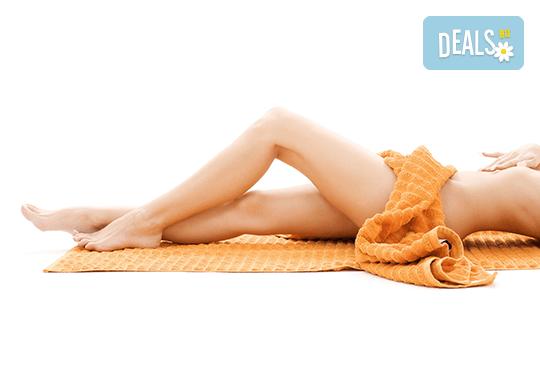 Комбинирана антицелулитна процедура в 4 стъпки - пилинг, мануален масаж, инфраред терапия и увиване с фолио за постигане на сауна ефект в студио Нимфея! - Снимка 1