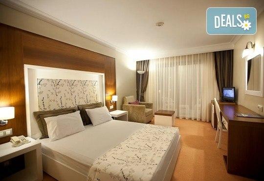 Почивка в хотел Sentinus 4*, Кушадасъ, Турция, през май! 5 или 7 нощувки на база All Inclusive, безплатно за дете до 12.99г. и възможност за транспорт! - Снимка 4