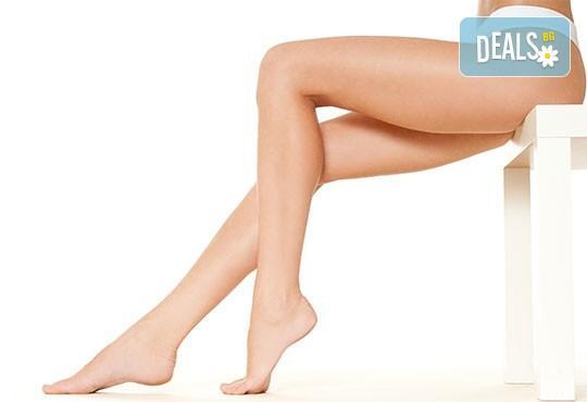 Отслабване и моделиране! Масаж на крака или на всички засегнати зони с антицелулитна въртяща се ролка в салон за красота Алма Морел! - Снимка 2