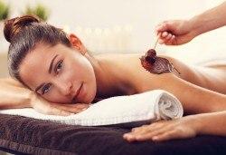 Релаксиращ антистрес масаж 70 минути с шоколад, жасмин или грейпфрут и зонотерапия на ръце и длани в Chocolate studio! - Снимка