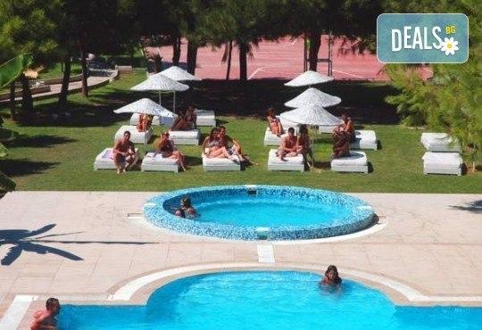Изпратете лятото с почивка във Flora Suites 3*, Кушадасъ, Турция! 7 нощувки на база All Inclusive и възможност за транспорт! - Снимка 6