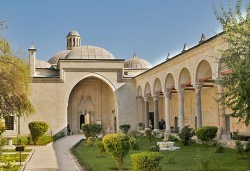 На разходка и шопинг за един ден в Одрин, Турция, с Дениз Травел! Транспорт, водач, панорамна обиколка и посещение на Margi Outlet - Снимка