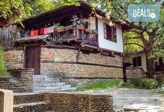 Еднодневна екскурзия на 26.05. до Деветашката пещера, Крушунските водопади и Ловеч с транспорт и водач от агенция Поход - Снимка 4