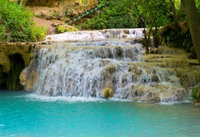Еднодневна екскурзия на 26.05. до Деветашката пещера, Крушунските водопади и Ловеч с транспорт и водач от агенция Поход - Снимка