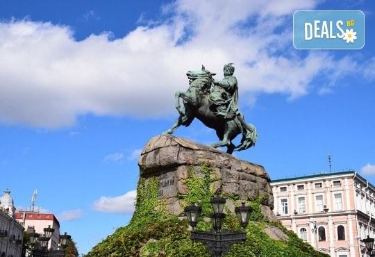 Екскурзия до Кишинев, Киев и Одеса с Караджъ Турс за Септемврийските празници! 4 нощувки със закуски и 2 вечери в хотели 2/3*, транспорт, водач и програма - Снимка 6