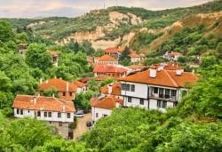 Екскурзия до Мелник, Рупите и Солун през юли или октомври! 2 дни, 1 нощувка със закуска в хотел 2/3* в Сандански и транспорт от Дари Травел! - Снимка