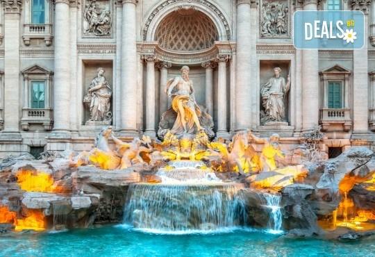 Самолетна екскурзия до Рим през юли с Дари Травел! 4 нощувки със закуски в хотел 2/3*, самолетен билет, такси, трансфери и водач - Снимка 1