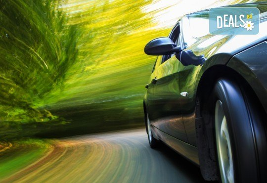 Смяна на двигателно масло и маслен филтър и преглед на ходова част и изспускателна система в автосервиз Златен Меркурий ЕООД! - Снимка 1