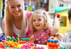 Детски рожден ден за 10 деца - в зала, с много игри, специално меню, подаръци и аниматори от Детски клуб Евърленд! - Снимка
