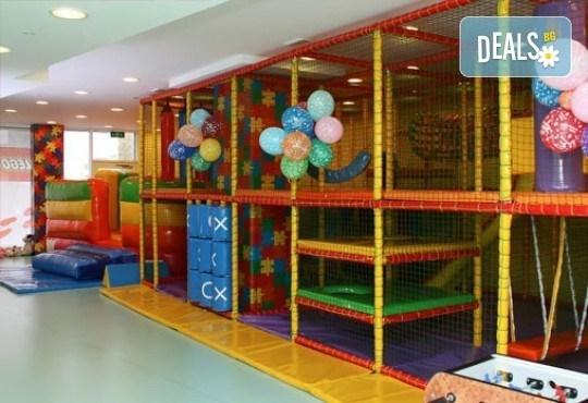 Два часа луди игри с аниматор и ползване на всички съоръжения за забавление от Детски клуб Евърленд! - Снимка 3